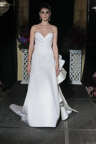 isabelle-armstrong-fall-2016-strapless-wedding-dress-with-large-bow-in-back