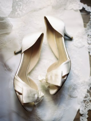 classic-bridal-shoes-with-cream-satin-and-bow-details