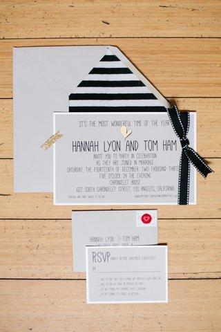 black-and-white-stripe-envelope-liner-with-gold-heart-invite