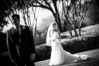 black-and-white-photo-of-bride-before-first-look