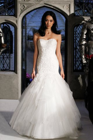 oleg-cassini-spring-2018-wedding-dress-strapless-mermaid-tulle-gown-with-beaded-lace-bodice
