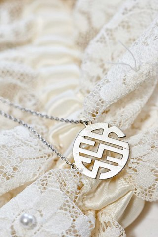 ssr-circle-monogram-necklace-on-chain-for-bride-on-wedding-day-gift-idea