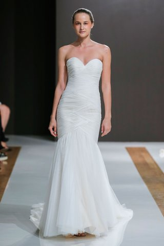 mark-zunino-spring-2018-wedding-dress-strapless-bridal-gown-woven-pulled-fabric-dropped-waist-tulle