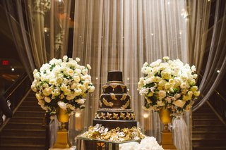 owen-daniels-and-angela-meccas-wedding-cake