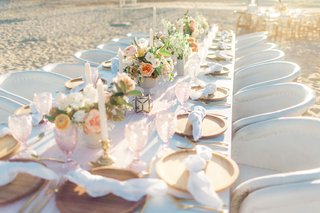destination-wedding-in-cabo-san-lucas-head-table-on-the-sand-pale-and-soft-colors