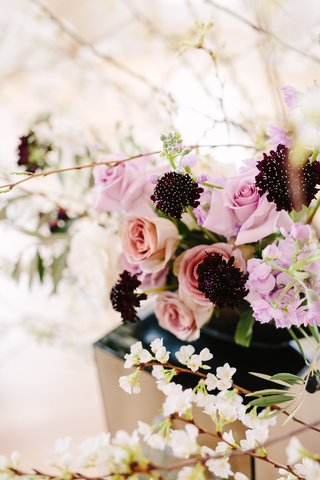 scabiosa-black-knight-flower-accenting-lavender-and-blush-floral-arrangements-with-quince-flowers