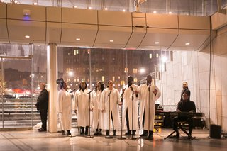 museum-wedding-in-brooklyn-new-york-gospel-choir-in-white-robes-view-of-city