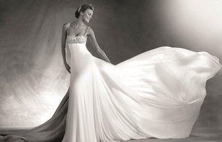 atelier-pronovias-2017-eda-wedding-dress-with-empire-waist-straps-and-long-skirt-black-and-white