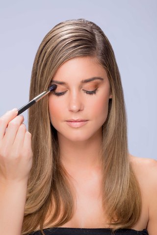 summer-makeup-tutorial-natural-smokey-smoky-eye-step-number-one
