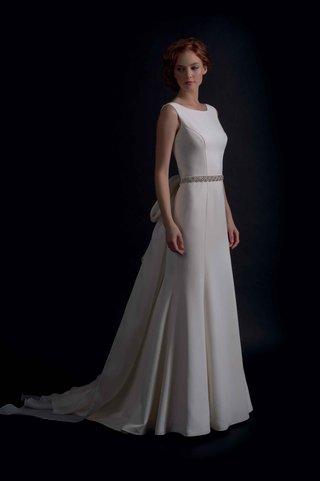modern-trousseau-fall-2016-tank-wedding-dress-with-seaming