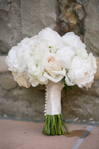 off-white-white-ivory-bouquet-roses-bridal-wedding-satin-around-stems-blush