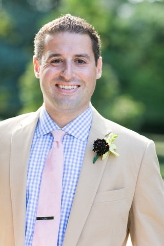 tan-suit-with-casual-gingham-shirt-and-pink-tie