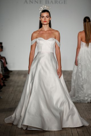 anne-barge-fall-2019-wedding-dress-pei-blue-willow-bride-off-shoulder-sweetheart-gown-seams