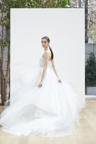 paula-oscar-de-la-renta-spring-2018-ivory-silk-tulle-ball-gown-organza-floral-leaf-embroidery