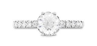 hearts-on-fire-solitaire-diamond-engagement-ring-with-diamond-band-signature-bezel-basket-ring
