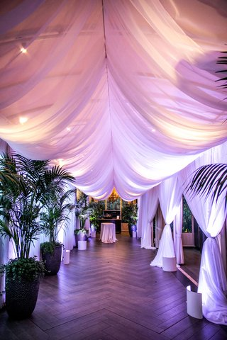 wedding-reception-four-seasons-hotel-los-angeles-at-beverly-hills-entrance-to-reception-palm-trees