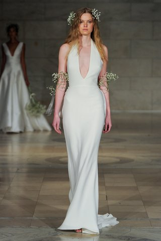 reem-acra-fall-2018-crepe-halter-gown-with-plunging-neckline