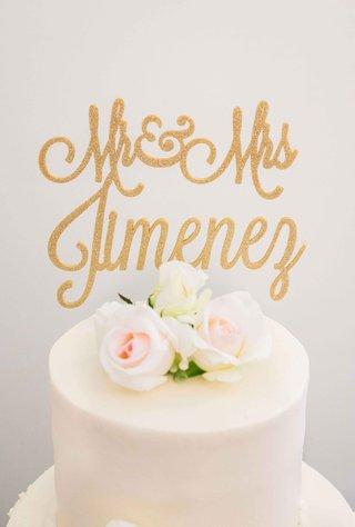 custom-cake-topper-names-in-gold-flower-simple-white-cake-small