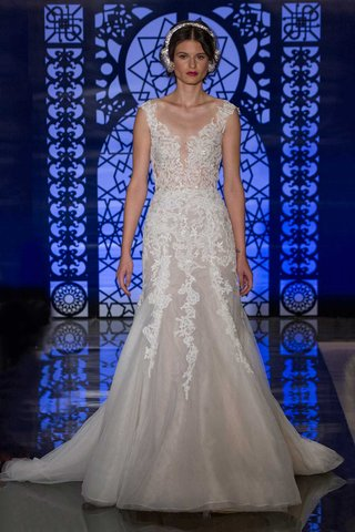 reem-acra-bridal-fall-2016-trumpet-wedding-dress-with-embroidered-bodice-and-skirt