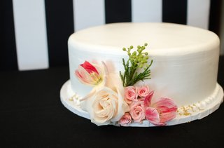 white-wedding-shower-cake-with-pink-and-white-roses-and-tulips-greenery