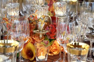 close-up-of-glassware-and-calla-lily-centerpiece
