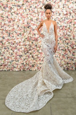 michael-costello-spring-summer-2018-bridal-couture-collection-flared-skirt-wedding-dress-v-neck-gown