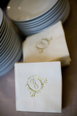 custom-wedding-initial-logo-in-gold-on-beverage-napkin