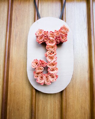 shabby-chic-flower-initial-wedding-decoration