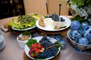 wedding-blueberry-fig-and-cheese-table-at-cocktail-hour