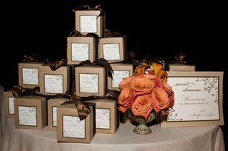 wedding-favor-display-table-with-brown-boxes
