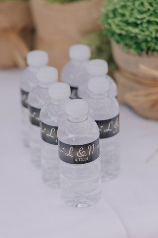 mini-water-bottles-with-initials-and-wedding-date