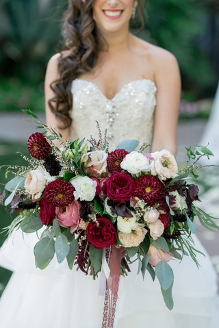 wide-bridal-bouquet-with-scarlet-dahlias-blush-and-ivory-roses-and-eucalyptus