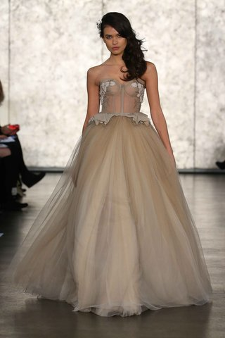 inbal-dror-fall-winter-2016-collection-ball-gown-in-champagne