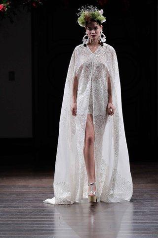 organza-hooded-cape-for-bridal-by-naeem-khan-fall-2016