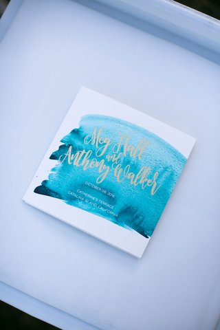 blue-and-white-programs-with-calligraphy-font