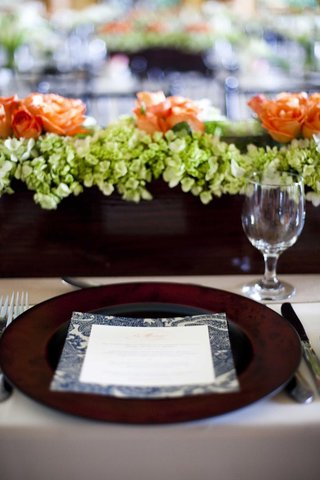 wood-box-centerpieces-and-paisley-menu
