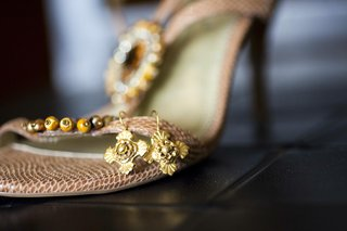 golden-bridal-jewelry-hooked-on-shoe-strap
