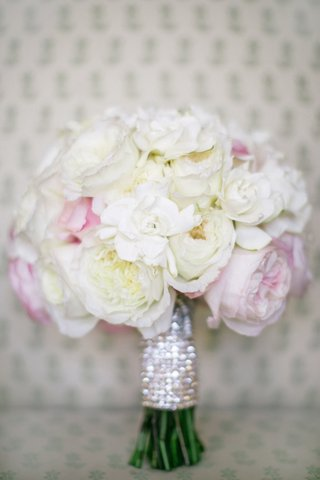 white-and-pink-peonies-garden-rose-and-gardenia-bouquet