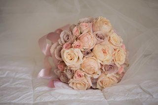 ivory-rose-pink-rose-light-lavender-purple-rose-flowers-in-bridesmaid-bouquet-with-pink-ribbon