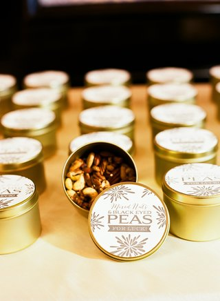 black-eyed-peas-in-gold-tins-with-custom-labels