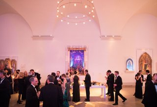 wedding-winter-theme-lights-museum-wedding-in-brooklyn-new-york-black-tie-formal-event