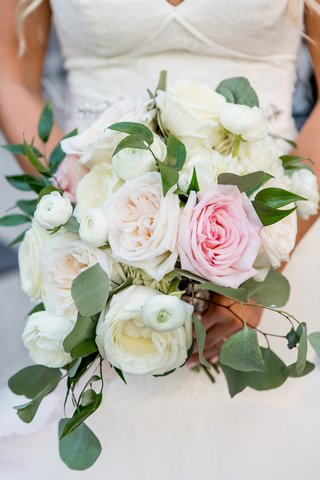soft-bridal-bouquet-with-blush-and-ivory-garden-roses-eucalyptus-leaves