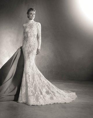 atelier-pronovias-2017-elvira-wedding-dress-high-neck-vintage-inspired-long-sleeves-lace