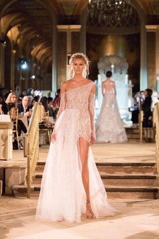 idan-cohen-fall-winter-2018-empire-of-love-wedding-dress-one-shoulder-bridal-gown-half-overskirt