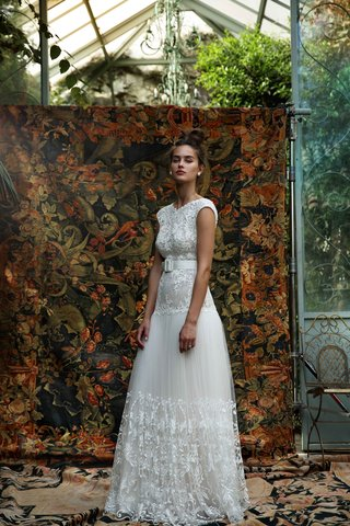 lihi-hod-2016-cap-sleeve-wedding-dress-with-dropped-waist-belt-with-buckle-and-embellished-skirt