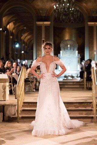 idan-cohen-fall-winter-2018-empire-of-love-wedding-dress-plunging-neckline-gown-off-shoulder-straps