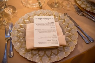 silver-and-gold-charger-with-blush-napkin-and-menu