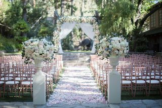 calamigos-ranch-wedding-outdoor-ceremony-rose-gold-chiavari-chairs