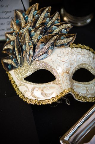 gold-and-white-sparkle-masquerade-mask