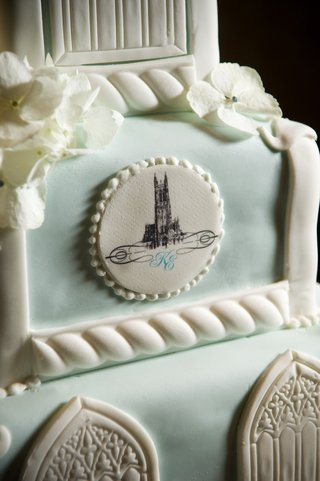 close-up-of-duke-chapel-logo-on-cake